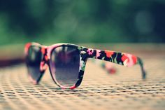 Want those! #sunglasses #floral