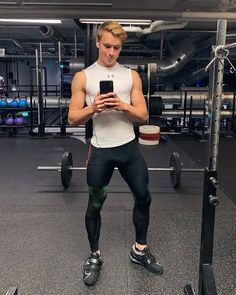 "@meggingsrebels on Instagram: ""Gym style inspiration from @sebastianb98 looking good in his @nike meggings /mens leggings paired with his @underarmour compression vest!…"" Compression Vest, Fitness Inspiration, Style Inspiration, Mens Tights, Gym Style, Sporty Look, Tight Leggings, Sport Wear, Super Skinny Jeans"