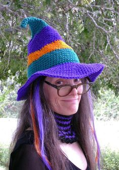 \The Whimsical Witch-Hat - free crochet pattern for a floppy witch's hat. Great for Halloween. Knit Or Crochet, Crochet Crafts, Crochet Projects, Free Crochet, Scarecrow Hat, Crochet Costumes, Halloween Crochet Patterns, Halloween Hats, Halloween Knitting