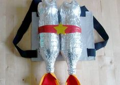 The best Halloween 2018 costume and makeup tutorialBest Halloween Princess Led Costume Canderella disney derella princess halloween halloweencostumes (notitle) Form a super jetpack of space for your loulou, with just that . Diy Astronaut Costume, Astronaut Diy, Space Costumes, Cool Costumes, Halloween Costumes, Kids Space Costume, Halloween Clothes, Halloween 2018, Diy Halloween