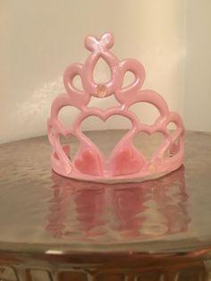 Fondant tiara cake topper