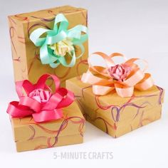 Anyone would be happy to get a gift wrapped like this! #5minutecrafts #video #diy #crafts #giftwrap #gift Follow us on Twitter!… 5 Minute Crafts, Inventions, Wraps, Gift Wrapping, Creative, Lifehacks, Gifts, Diy Ideas, Instagram