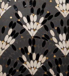 """''Plumes blanches'' : gré cérame, émaux de Venise et de tesselles d'or. """"White feathers"""" : stoneware, enamels from Venice and golden tessera."""