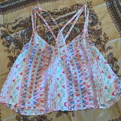 Hollister crop top Really cute crop top with light fabric Hollister Tops Crop Tops