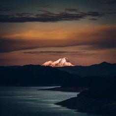 @beautifuldestinations: The top of Mount Shasta (: @jude_allen)