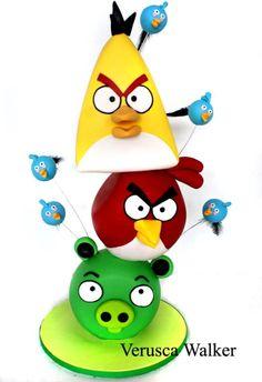 birthday cake for boys (EA asks: Why for boys? Angry Birds Birthday Cake, Angry Birds Cake, Birthday Fun, Pretty Cakes, Beautiful Cakes, Amazing Cakes, Cupcakes, Cupcake Cakes, Brithday Cake
