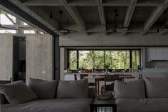 Gallery of Tropical Box House / WHBC Architects - 10