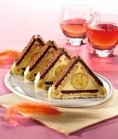 Nu ştii ce desert să mai pregăteşti pentru cei dragi în weekend? Ei bine, prăjitura de mai jos este o variantă sigură: uşor de făcut şi bună de te lingi