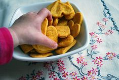 Sweet potato crackers recipe – easy, healthy recipe for kids | Free clever craft ideas, sewing patterns, templates and printables || Merriment Design