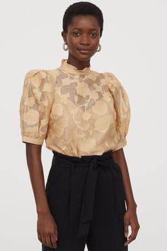 Blouse in airy organza with a jacquard-weave pattern. Small, ruffled collar, opening at back of neck with button, and short, voluminous puff sleeves with na Ruffle Collar, Ruffle Blouse, Organza, Blouse Models, Jacquard Weave, Spring Looks, Beige, Fashion Company, Fashion Pictures