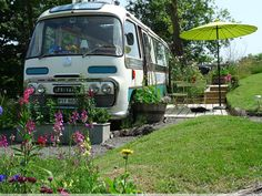 Hidden Inside This Old Bus is a Cozy and Charming Hotel  http://www.countryliving.com/outdoor/majestic-bus?src=spr_FBPAGE&spr_id=1453_79387685#slide-1