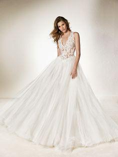 Balo elbisesi tarzında, masalsı gelinlik