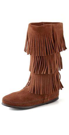 Minnetonka 3 Layer Fringe Boots. Merry Christmas to Meeee :)