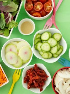 DIY+Salad+Buffet+on+Weelicious (Leave out the cheese and oil for ETL) Side Dish Recipes, Lunch Recipes, Baby Food Recipes, Breakfast Recipes, Healthy Recipes, Toddler Recipes, Easy Recipes, Salad Recipes, Toddler Food