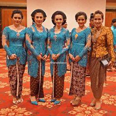 43 Best Kebaya Orang Tua Images Kebaya Dress Kebaya Muslim Batik