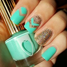 Add dimension to your nails with chevron patterns and glitter! Click through to see Nikki's #nailart must-haves.