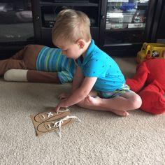 Okul Öncesi Etkinlik-Ayakkabı Nasıl Bağlanır 3 Diy And Crafts, Kids Rugs, Etsy, Home Decor, Terrarium, Stickers, Activities, Hand Crafts, Amigurumi