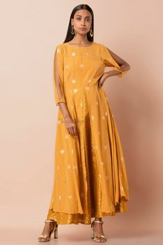 Confused, what to wear for your Haldi ? Head to our blog for outfit ideas under budget. Click on the link attached below  #indianwedding #shaadisaga #intimatewedding #bridalfashion #indianweddinginspiration #haldiceremony #haldioutfitideas #weddingoutfitonbudget Haldi Ceremony, Intimate Weddings, Confused, Bridal Style, What To Wear, Outfit Ideas, Budget, Celebrities, Link