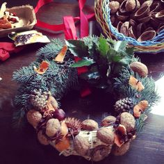 #diy #wreaths #winterdecoration #walnut