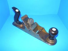 Woodworking Hand Planes, Roman Soldiers, Antique Tools, Metal Casting, Can Opener, Workshop, Antiques, Tools, Antiquities