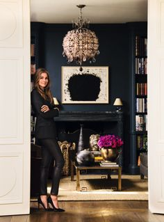 "Aerin Lauder in her Manhattan home. ""The List: Aerin Lauder's Favorite Things"" by Aerin Lauder. Aerin Lauder in her Manhattan home. The List: Aerin Lauder's Favorite Things by Aerin Lauder. Style At Home, Style Blog, Living Room Decor, Living Spaces, Dark Walls Living Room, Aerin Lauder, Estee Lauder, Navy Walls, Dark Blue Walls"