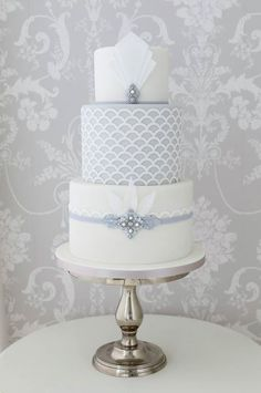 Art deco wedding cake gold instead of silver