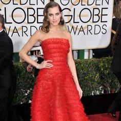 Allison Williams' Golden Globe dress weighed 40 pounds