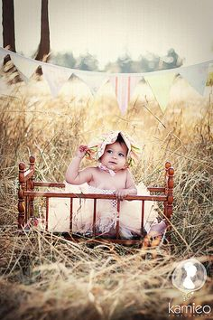 @Rachel Botello I want to a have a photo shoot like this for my nonexistent way future child! AH! FIELDS!