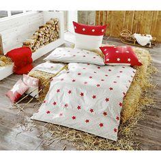 Schlafen wie im Sternenhimmel - mit dieser Bettwäsche von TOM TAILOR! Diese Bettwäsche der Qualitätsmarke TOM TAILOR verspricht gemütliche Nächte. Der Bettbezug ist aus 100 % Baumwolle in Biber-Qualität gefertigt und dadurch besonders kuschelig. Sämtliche Materialien sind pflegeleicht und hautfreundlich. Das Bettwäsche-Set besteht aus 2 Kissen und einer ca. 155 cm x 220 cm großen Bettdecke.