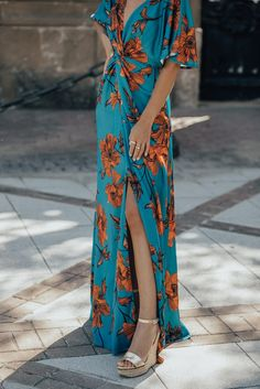 Lovely Dresses, Elegant Dresses, Moda Mania, Spring Outfits, Marie, Wrap Dress, Fashion Dresses, Street Style, Boho