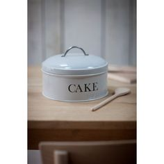 There's plenty of room in this retro-feel cake storage tin for a special fruit cake, a classic Victoria sponge – or indeed several of everybody's favourite cup cakes. Made of robust powder-coated steel painted a soft, light grey, with the word Cake printed clearly on the side (just in case you couldn't guess!). | eBay!