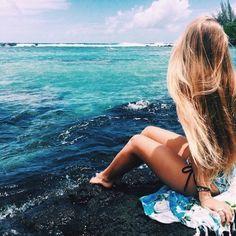 long hair / beach / summer / blond girl
