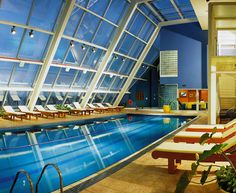 Rooftop swimming pool in the Hilton São Paulo Morumbi in Brazil. The pool has a panoramic view of the famous Estaiada Bridge.