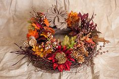 3 Fall Crafts You Can Make With Leaves #FallFoliage #FallCrafts #TreeCrafts