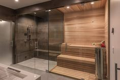 Los Altos hills taafe M.DesignArchitects with their experience team working on many architecture projects in multiple cities of California. Home Spa Room, Spa Rooms, Sauna Steam Room, Sauna Room, Modern Rustic Homes, Rustic Home Design, Basement Sauna, Sauna Shower, Sauna House