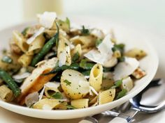 The Chicken and Potato Penne recipe out of our category Chicken! EatSmarter has over healthy & delicious recipes online. Rabbit Food, Comfort Food, Recipe Images, Eat Smarter, Feta, Salad Recipes, Potato Salad, Chicken Recipes, Potatoes