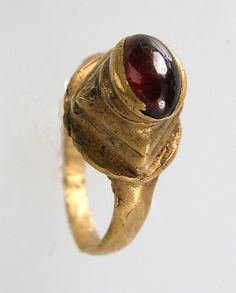 Date: 7th century Geography: Made in, Northern France Culture: Frankish Medium: Gold, garnet cabochon
