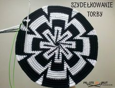 Home and Furniture: 10 DIY Spring Cleaning Tips And Tricks Tapestry Crochet Patterns, Crochet Mandala, Crochet Beanie, Crochet Hats, Easy Diy Christmas Gifts, Bag Pattern Free, Tapestry Bag, Crochet Purses, Pdf Patterns