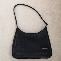 Guess purse Guess purse in great condition Guess Bags