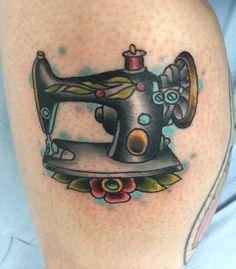 ARM - COSTURA y sus HERRAMIENTAS _ TRAVESURAS. Técnica: Tatoo//////     Sewing machine tattoo
