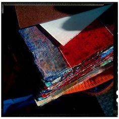 #abstract #macro #minimal #minimalism #paper #paint #closeup #sunshine #sunbeam #sunlight #sergepichii
