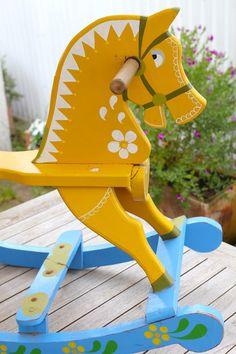 paint a wood rocking horse!!!