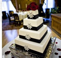If you think there's no setting more romantic than a blanket of snow, then consider planning a winter wedding! See winter wedding colors, dresses, flow Black And White Wedding Cake, White Wedding Cakes, Black White, Ribbon Wedding, White Cakes, Bling Wedding, Pretty Black, Black Satin, Wedding Bells