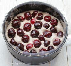 Tort de inghetata cu cirese si ciocolata - Desert De Casa - Maria Popa Biscuit, Pudding, Desserts, Food, Tailgate Desserts, Deserts, Custard Pudding, Essen, Puddings