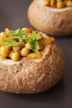 South African Vegetarian Bunny Chow A vegan version of the popular South African street food bunny chow. Vegetarian Stew, Vegetarian Recipes, Cooking Recipes, Oven Recipes, Easy Cooking, Entree Recipes, Veggie Recipes, Veggie Food, South African Bunny Chow