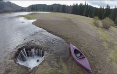 Oregon lake eerily disappears once a year
