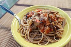 Massa do dia: Integral com concassè de tomates, cogumelos e sálvia <3