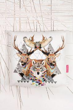 "Ohh Deer ""Forest Friend"" Kissen bei Urban Outfitters"