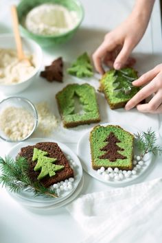 Chocolate surprise cakes - pistachio in the shape of fir trees for Christmas - Cake Recipes Christmas Snacks, Xmas Food, Christmas Cooking, Christmas Cakes, Christmas Ideas, Simple Christmas, Christmas Tree, Christmas Gifts, Christmas Decorations