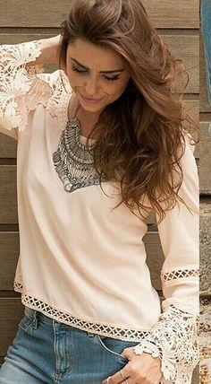 Bata show  estilo Boho Chic. Cor única disponível nos tamanhos do P ao G,  enviamos para todo Brasil e no exterior.  Acesse agora : www.santollo.com.br  Ou  Visite nos Rua : Juca Marinho 15 Uberaba-MG.  Telefones de contatos : (34)3316-6586 / WhatsApp : (34) 8811-2985.  #bata #chic #love #trend #tendência #boho #chic #outono #inverno #fall #winter #lookslikes #looks #repost #esquire #follow4follow #follown #me #santólloonline #vemprasantóllo #uberaba #minasgerais #brazil